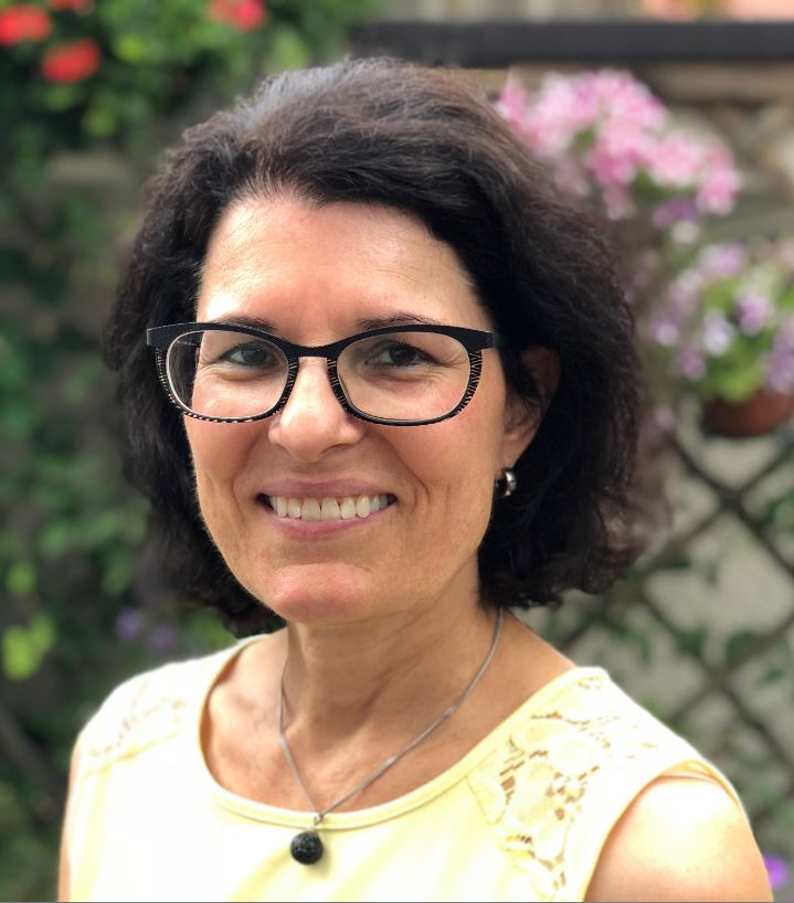 Frau Claudia Metzger